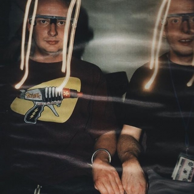 🔘 DON'T SHOOT 🔘 . . #orbital #acidhouse #dancemusic #electronicdancemusic #rave #ravers #dj #music #oldschool #90srave #nowplaying #housemusic #technomusic #acidtechno