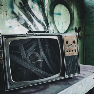 🔘 TINY FOLDABLE CITIES | OUT TOMORROW 🔘 . . #orbital #acidhouse #dancemusic #electronicdancemusic #rave #ravers #dj #music #oldschool #90srave #nowplaying #housemusic #technomusic #acidtechno